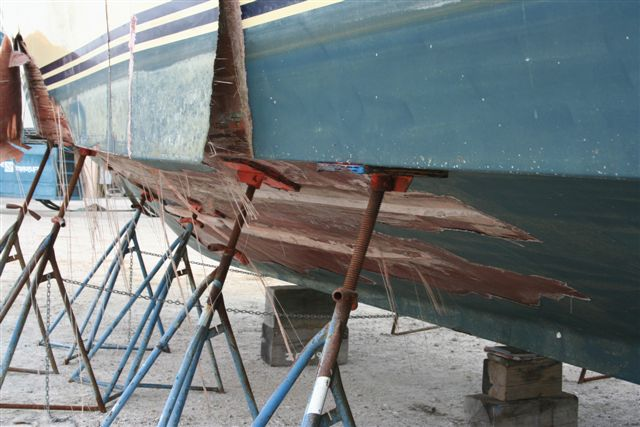 2008 Bertram 63 hull failure - Hull delamination
