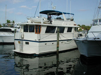 Boat Review by David Pascoe: Hatteras 61 Motor Yacht